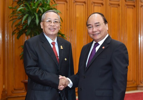 Thủ tướng Nguyễn Xuân Phúc tiếp Phó Chủ tịch thứ nhất Thượng viện Campuchia - ảnh 1