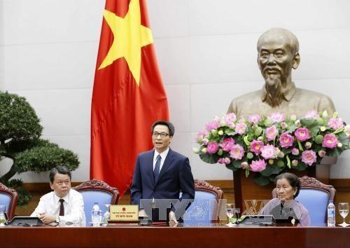 Phó Thủ tướng Vũ Đức Đam tiếp đoàn đại biểu người có công tỉnh Đồng Nai - ảnh 1
