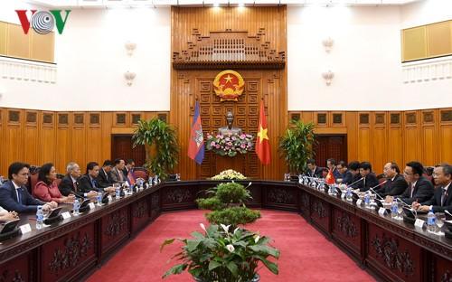 Việt Nam và Campuchia tăng cường hợp tác trên mọi lĩnh vực - ảnh 1
