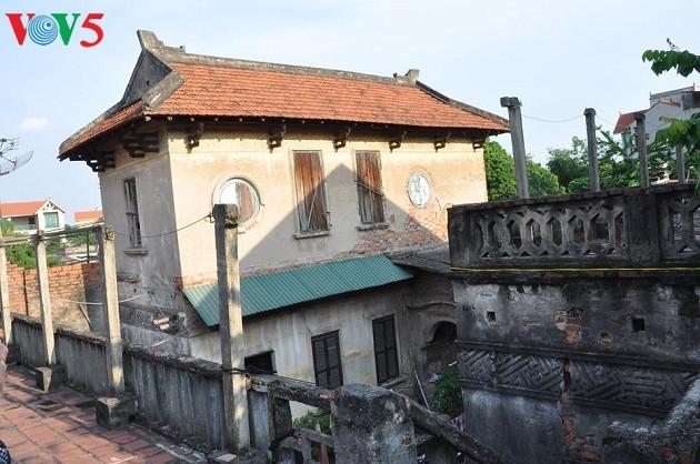 Nét kiến trúc truyền thống và kiến trúc Pháp ở làng Cự Đà - ảnh 2