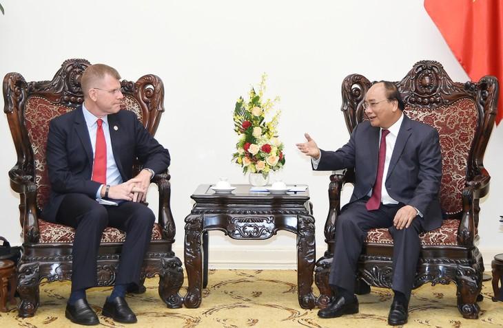 Thủ tướng Nguyễn Xuân Phúc tiếp Phó Chủ tịch Ngân hàng phát triển Châu Á  - ảnh 1