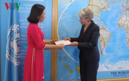 Tân Đại sứ Việt Nam bên cạnh UNESCO trình Thư ủy nhiệm - ảnh 1