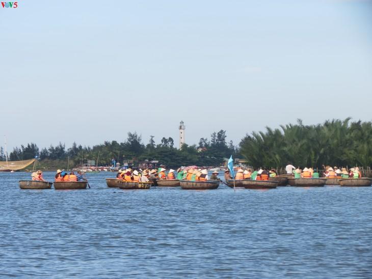 Phát triển du lịch sinh thái thân thiện tại khu du lịch rừng dừa Bảy Mẫu - ảnh 2