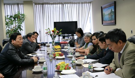 Overseas Vietnamese Affairs Committee holds working session in New York - ảnh 1