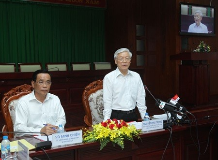 Party chief works with Soc Trang province leaders - ảnh 1
