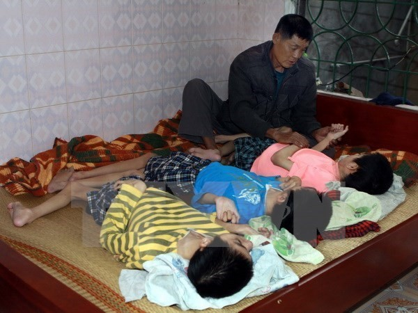 Various activities held to assist AO victims - ảnh 1