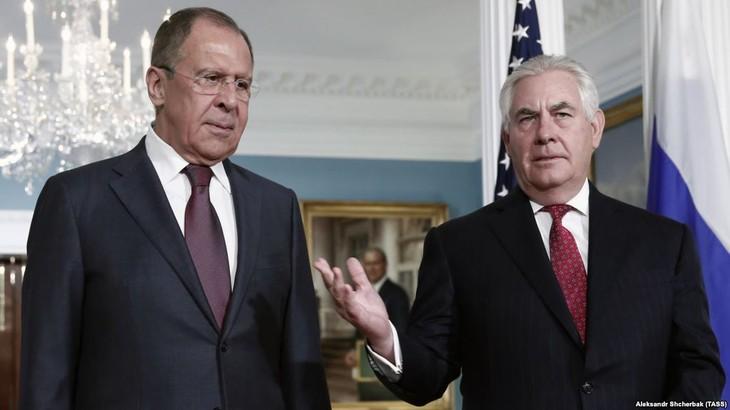 Russian, US diplomats meet on sidelines of ASEAN meetings - ảnh 1