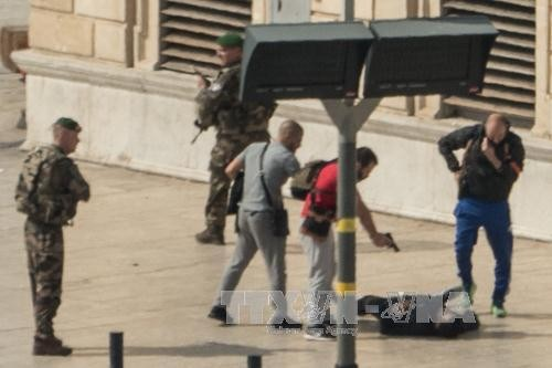 IS claims responsibility for deadly knife attack in Marseille - ảnh 1