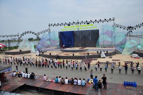 Quảng Ninh: Sẵn sàng cho Carnaval Hạ Long 2015  - ảnh 1
