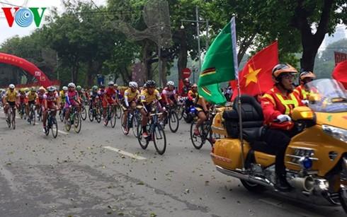 Khai mạc giải đua xe đạp tranh Cúp truyền hình Thành phố Hồ Chí Minh - ảnh 1