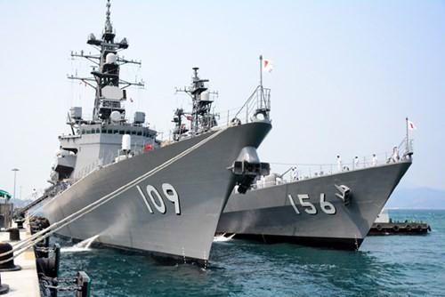 Tàu tự vệ trên biển Nhật Bản cập cảng Cam Ranh thăm hữu nghị Việt Nam  - ảnh 1