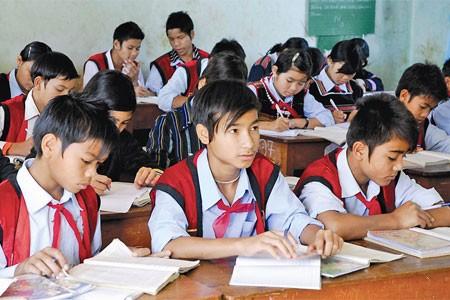 Đảng, Nhà nước luôn quan tâm tới học sinh vùng đồng bào dân tộc thiểu số  - ảnh 1