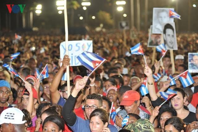 Hình ảnh lễ truy điệu Lãnh tụ Cuba Fidel Castro đầy cảm động - ảnh 1