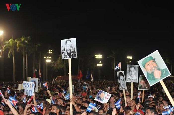 Hình ảnh lễ truy điệu Lãnh tụ Cuba Fidel Castro đầy cảm động - ảnh 2