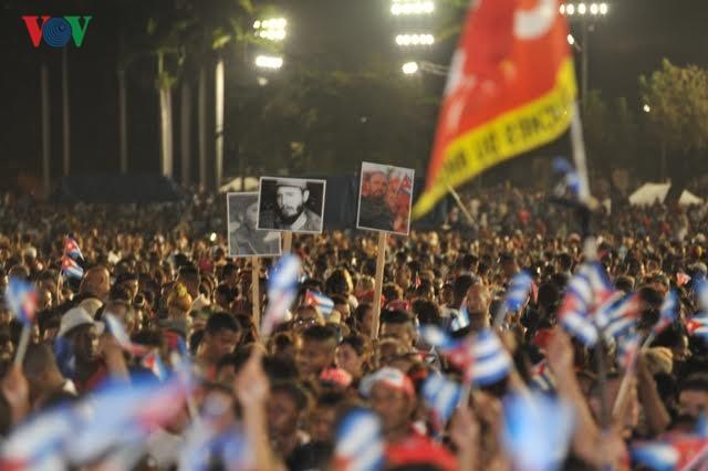 Hình ảnh lễ truy điệu Lãnh tụ Cuba Fidel Castro đầy cảm động - ảnh 5
