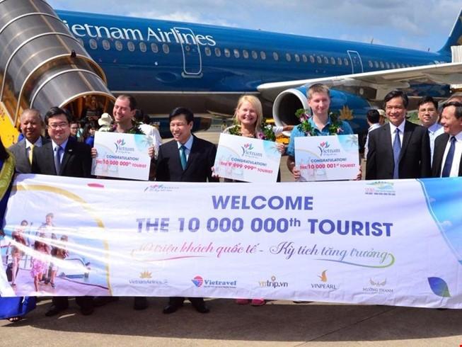 Vị khách quốc tế thứ 10 triệu và sự phát triển du lịch Việt Nam - ảnh 1