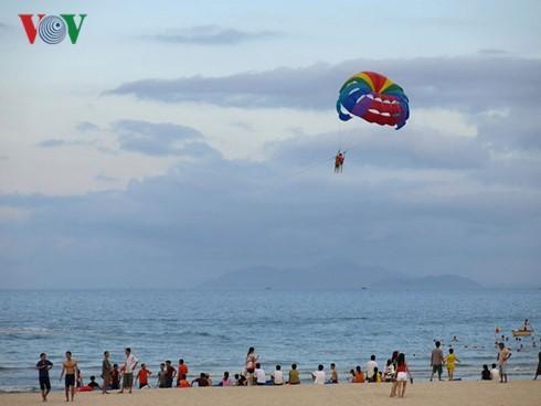 Nhiều hoạt động thu hút du khách đến Đà Nẵng dịp nghỉ lễ 30/4 và 1/5 - ảnh 1