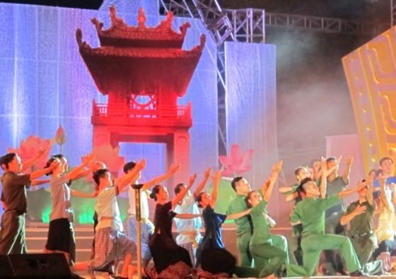 Giao lưu, trao đổi kinh nghiệm giữa sỹ quan trẻ Việt Nam và Campuchia  - ảnh 1
