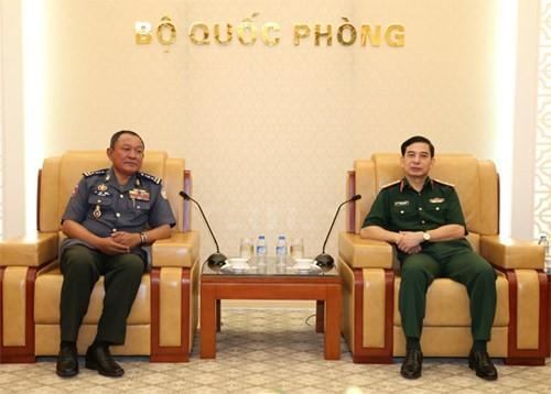 Tổng Tham mưu trưởng QĐND Việt Nam tiếp Phó tư lệnh Hiến binh Quân đội Hoàng gia Campuchia - ảnh 1