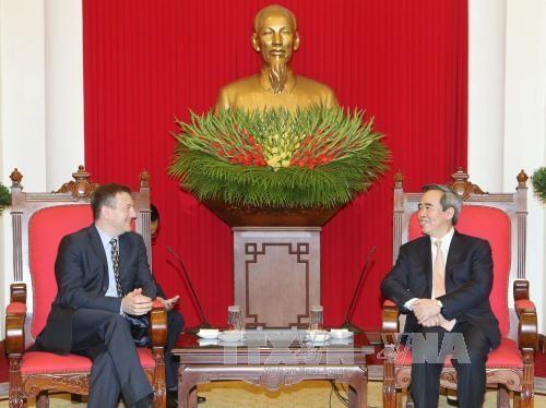 Trưởng ban Kinh tế Trung ương Nguyễn Văn Bình tiếp Đại sứ Canada và Đại sứ Pháp tại Việt Nam - ảnh 2