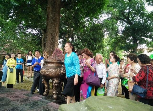 Đoàn cựu giáo viên kiều bào Thái Lan thăm Hà Nội - ảnh 3