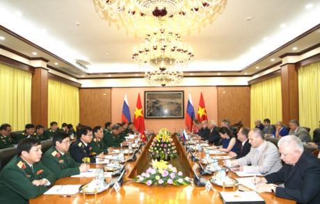 Ủy ban liên Chính phủ Việt Nam - Liên bang Nga tăng cường hợp tác kỹ thuật quân sự  - ảnh 1
