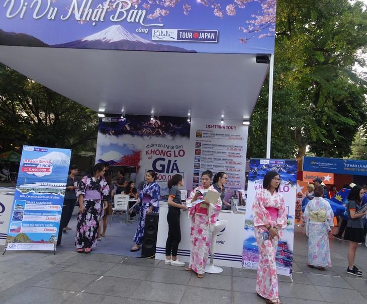 Tưng bừng Ngày hội tư vấn du lịch Viet travel 2017 - ảnh 1