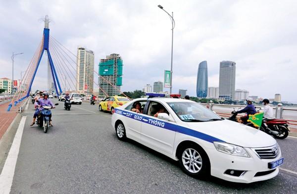 Hệ thống xe buýt con thoi đảm bảo di chuyển cho phóng viên tham dự APEC - ảnh 1