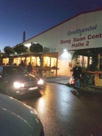 Ấm lòng những sẻ chia của người Việt xa xứ với người dân vùng lũ - ảnh 1