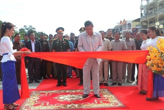 Khánh thành Đài Hữu nghị Việt Nam – Campuchia bên bờ sông Sekong - ảnh 1