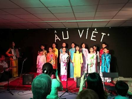 Dạy tiếng Việt và âm nhạc truyền thống - cách truyền bá văn hóa VN tại Pháp - ảnh 1