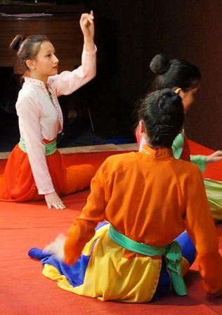 Dạy tiếng Việt và âm nhạc truyền thống - cách truyền bá văn hóa VN tại Pháp - ảnh 8