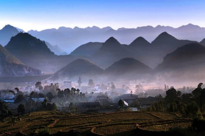 Non cao Quản Bạ và truyền thuyết núi đôi - ảnh 3