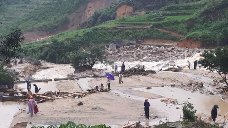Hội Chữ thập đỏ Việt Nam tiếp tục cứu trợ đồng bào các tỉnh bị thiệt hại do mưa lũ  - ảnh 1