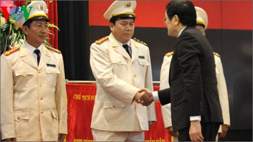 People's police praised for their achievements  - ảnh 1