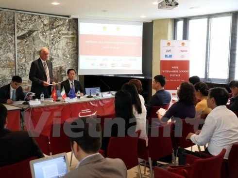 Vietnam presses on with trade promotion in Italy - ảnh 1