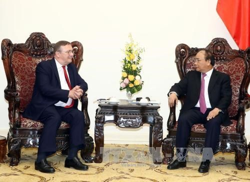 PM urges Vietnam and Hungary to boost ties - ảnh 1