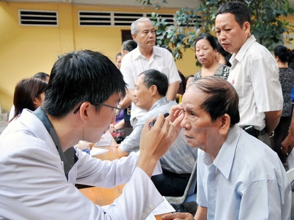 Action month for the elderly  - ảnh 1