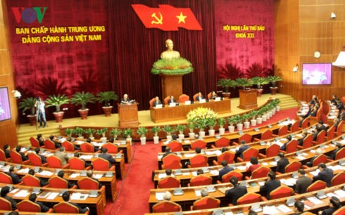Socio-economic performance tops Party Central Committee meeting - ảnh 1