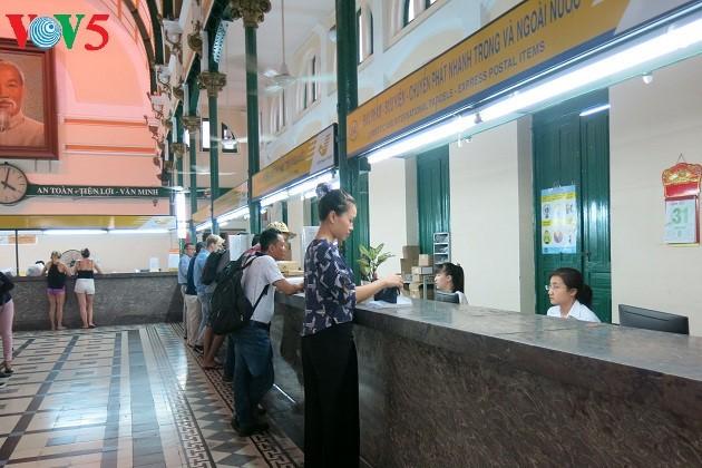 Saigon Central Post Office- unique architectural complex in Ho Chi Minh city - ảnh 2