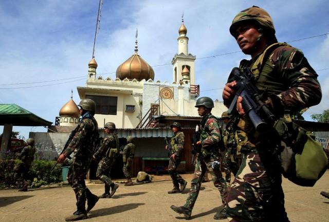 ហ្វីលីពីនកម្ទេចចោលឧបាយកលធំរបស់ខ្មាន់កាំភ្លើងនៅ Marawi - ảnh 1