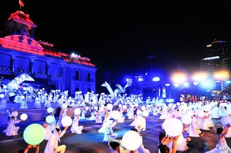 សកម្មភាពសង្គមជាច្រើន ការពារបរិស្ថាននៅ Festival សមុទ្រ Nha Trang- Khanh Hoa ២០១៧ - ảnh 1