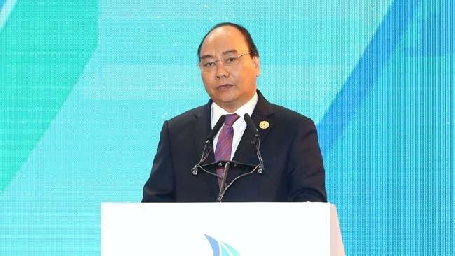 លោក Nguyen Xuan Phuc ជូបសន្ទនាជាមួយថ្នាក់ដឹកនាំនៃបណ្ដាខឿនសេដ្ឋកិច្ច ក្នុងឱកាសសប្ដាហ៍ជាន់ខ្ពស់ APEC  - ảnh 1