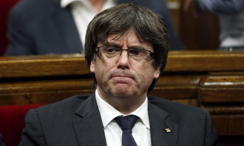 គណៈបក្សរបស់អតីតអភិបាលតំបន់ Catalonia បោះបង់ចោលកិច្ចខិតខំប្រឹងប្រែងឯកតោភាគីប្រកាសឯករាជ្យ - ảnh 1