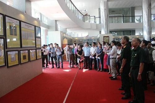 Выставка редких исторических документов о вьетнамских островах Хоангша и Чыонгша - ảnh 1