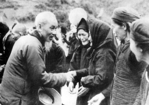 Отмечается 75-летие со дня возвращения на Родину президента Хо Ши Мина - ảnh 1