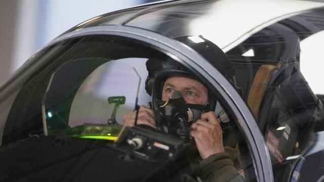 Нидерланды решили принять участие в нанесении авиаударов по позициям боевиков в Сирии - ảnh 1
