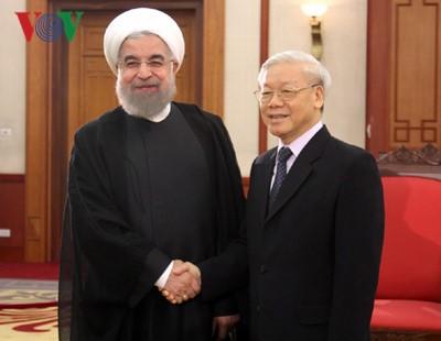 Генсекретарь ЦК КПВ Нгуен Фу Чонг принял президента Ирана Хасана Роухани - ảnh 1