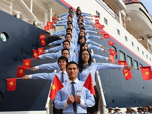 Знакомство иностранцев с Вьетнамом с помощью программы «Молодёжный корабль» - ảnh 1