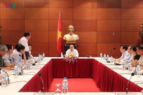 Премьер Вьетнама проверил подготовку к предстоящим событиям во внешнеполитической деятельности - ảnh 1